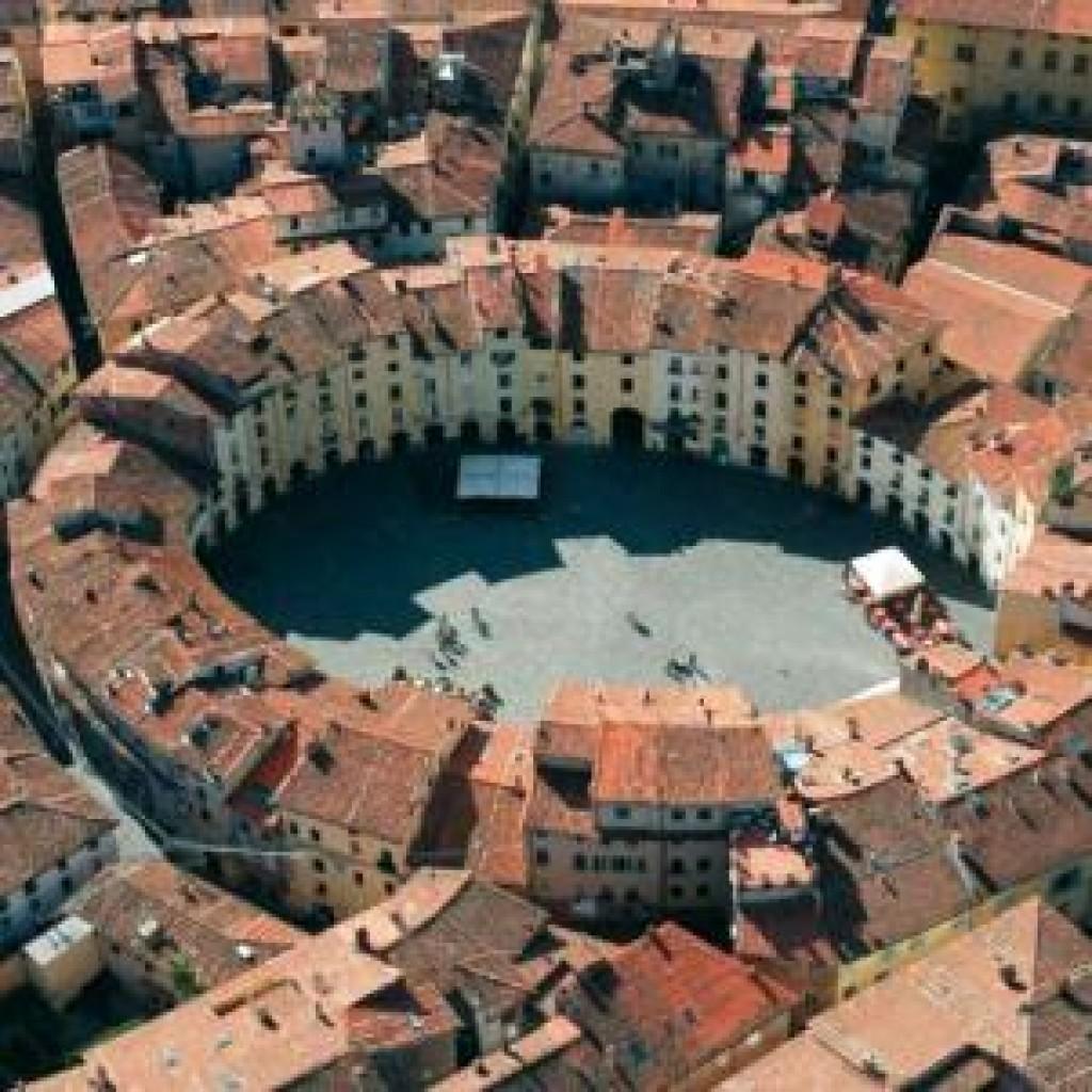 Lucca - Anfiteatro Romano
