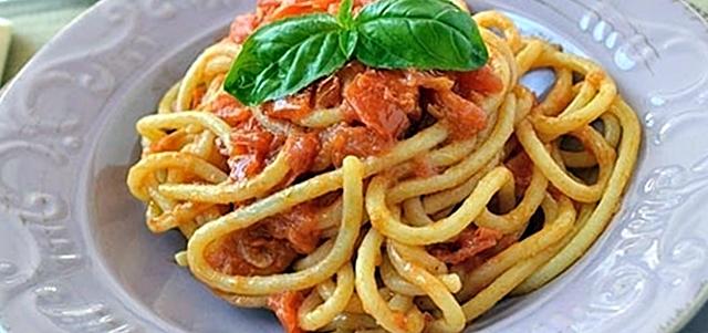 Pici senesi all'aglione