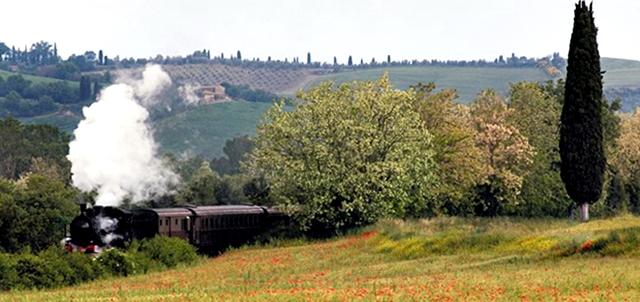 Treno Natura - in treno a vapore tra le Crete senesi e Val d'Orcia