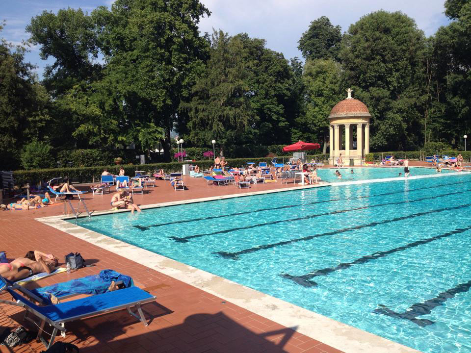 Swimming pools in Florence