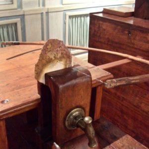 Opificio Pietre Dure - FI - antico banco da taglio