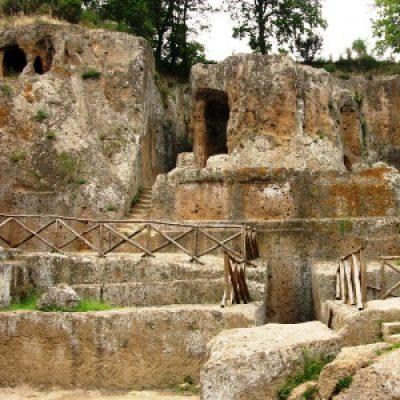 """Parco Archeologico """"Città del Tufo"""""""