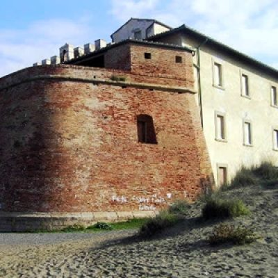 Forte di Marina di Castagneto Carducci