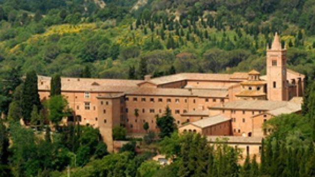Tour dell'Abbazia di Monte Oliveto Maggiore